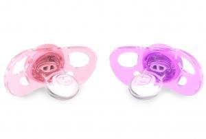 Розовая и фиолетовая соска для новорожденного