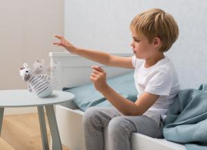 Детский ночник-неваляшка zazu зебра в кофте