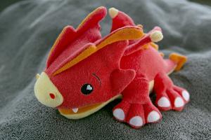 Губка soapsox дракон скорч на полотенце