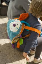 Ребёнок и рюкзак ebulobo кролик джеф