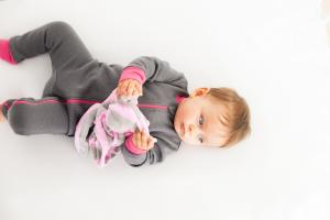 Ребенок и комфортер cuski betty