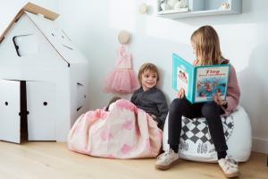 Дети и коврик playandgo designer от allc