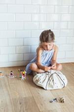Девочка и мини мешок принт молния