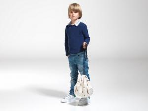Мальчик с мини мешком молния