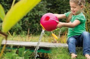 Девочка с красным ведёрком ballo