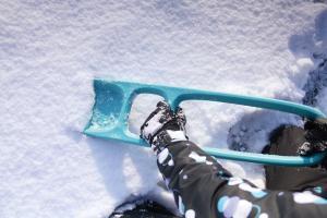 Играем с лопаткой и снегом